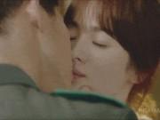 Phim - Song Joong Ki phải dè chừng dàn mỹ nam diễn bạo với Song Hye Kyo