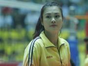 """Thể thao - Người đẹp bóng chuyền VTV Cup: Kim Huệ """"dạy dỗ"""" đàn em Trung Quốc"""