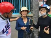 Bắt một phụ nữ trộm điện thoại giấu trong áo ngực
