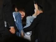 Ca nhạc - MTV - Fan nữ bất chấp mưa gió, vượt hàng rào bảo vệ để ôm Sơn Tùng