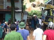 Hà Giang: Sạt lở đất vùi lấp nhiều người tại quán Internet