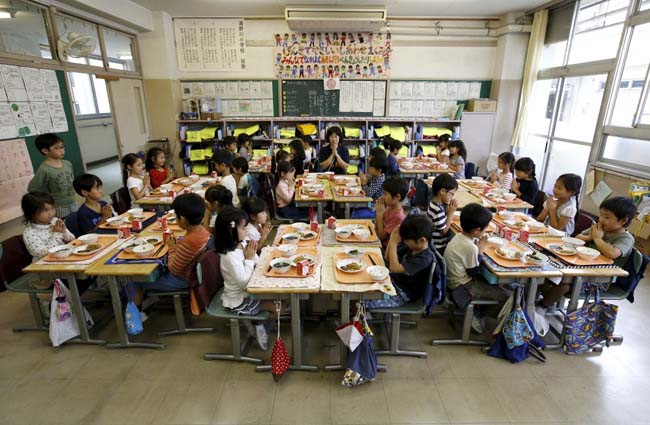 Có gì đặc biệt trong bữa trưa của học sinh Nhật Bản? - 1