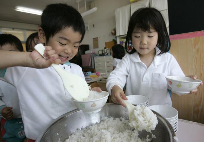 Có gì đặc biệt trong bữa trưa của học sinh Nhật Bản? - 3