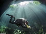 Du lịch - Hình ảnh ngoạn mục đến khó tin bên trong hang động ngầm dưới đáy đại dương