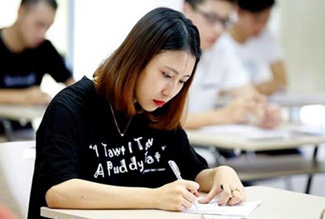 Tỷ lệ đỗ tốt nghiệp THPT của nhiều địa phương đạt gần 100% - 1