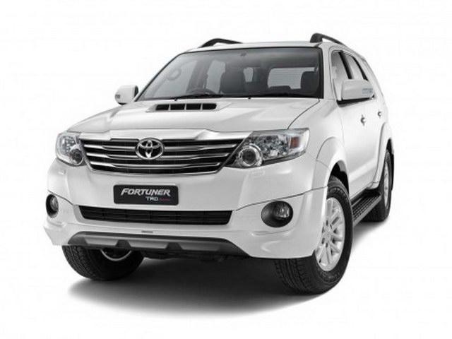 Những mẫu xe bán chạy ở Việt Nam chênh giá bao nhiêu với khu vực?