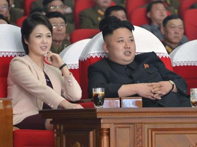 Phu nhân ông Kim Jong-un xuất hiện sau vụ thử tên lửa
