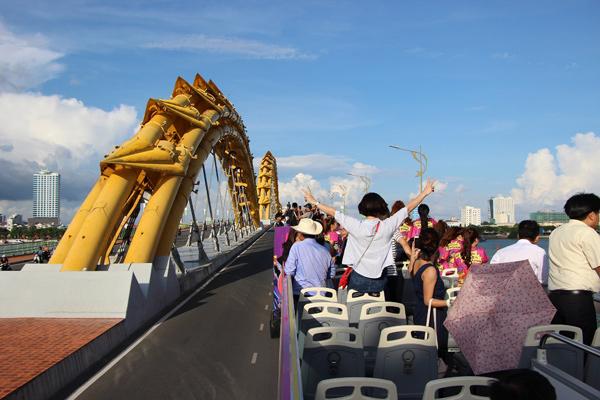 """Du lịch kiểu """"Bus 2 tầng"""" tại Đà Nẵng: trải nghiệm mới tinh cho du khách - 4"""