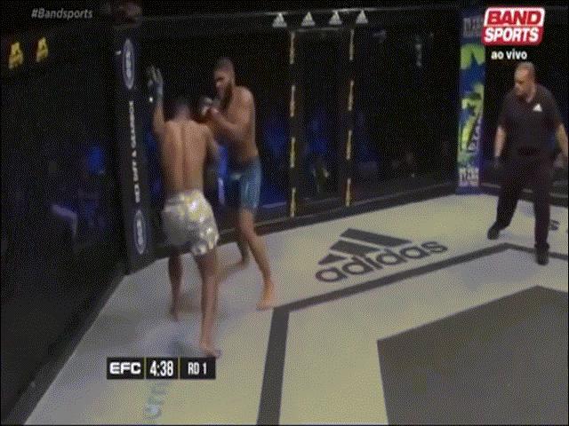 """MMA: Cú đá mưu mô, """"gieo sầu thiên thu"""" cho đối thủ - 1"""