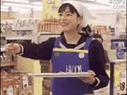 Ảnh động: Bắt gặp tình huống quái dị trong siêu thị