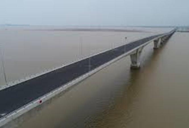 Hàng loạt sai sót kỹ thuật ở cầu vượt biển dài nhất Việt Nam