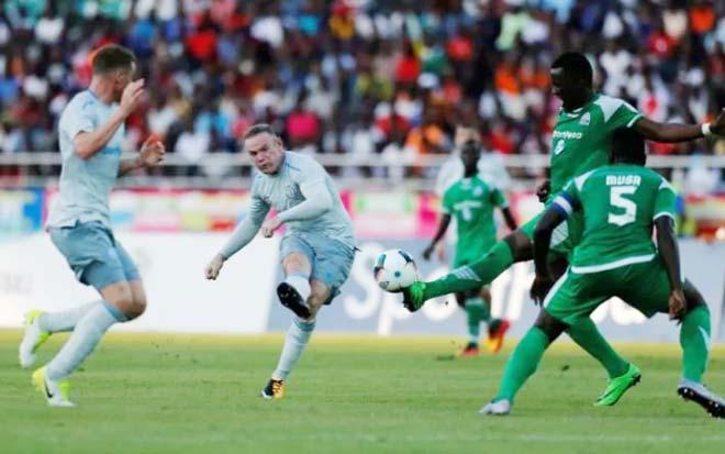 Rooney trở lại Everton, tái hiện siêu phẩm vào lưới Arsenal
