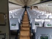 Tin tức trong ngày - Bất ngờ với nội thất máy bay Boeing bỏ rơi 10 năm ở Nội Bài