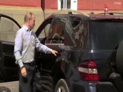 """Thế giới - Video: Người áo đỏ bí ẩn được Putin lái xe """"phục vụ"""""""