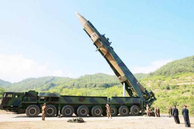 """Mỹ: Triều Tiên đang chế siêu tên lửa """"chết chóc hơn"""" - 1"""