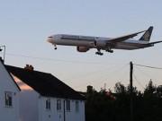 Nhà gần sân bay: Tiếng ồn tỉnh mộng  ' đất vàng '