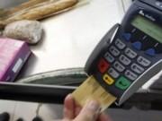 Tài chính - Bất động sản - Thanh toán tiền mặt dần nhường chỗ cho giao dịch qua thẻ