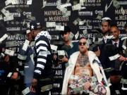 """Thể thao - Đại chiến tỷ đô: McGregor """"há hốc mồm"""" với màn ném tiền của Mayweather"""