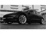Người đầu tiên sở hữu Tesla Model 3 là ai?