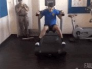 Ảnh động: Tại sao tập gym mãi mà vẫn... yếu?