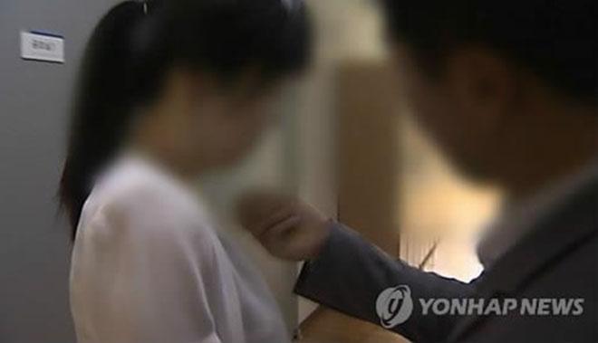 Hàng loạt thực tập sinh nữ xứ Hàn bị cưỡng hiếp khi theo đuổi giấc mơ nổi tiếng - ảnh 1