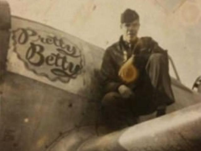 Phát hiện xác phi công hồi Thế chiến 2 dưới gốc cây