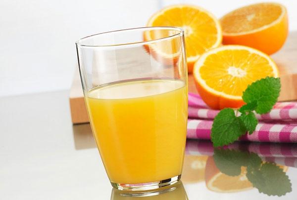 Những người tuyệt đối không nên uống nước cam - 1