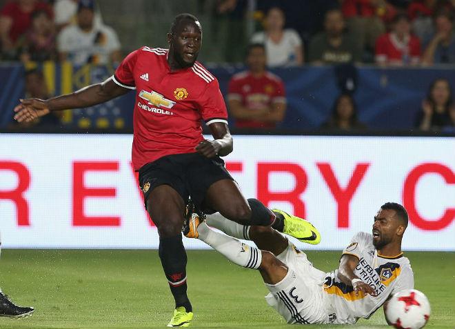 """Rooney cảnh báo """"bom tấn"""" Lukaku: Coi chừng dự bị ở MU"""