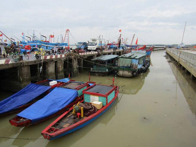 Chìm tàu ở Nghệ An: Đã cứu được 3 người, 10 người vẫn đang mất tích