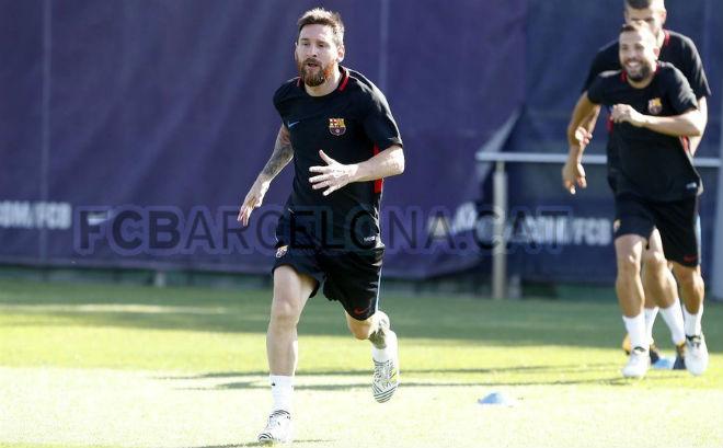 Barca: Valverde dung túng Suarez vô kỷ luật, Messi không hài lòng - 6