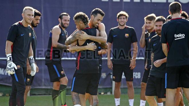 Barca: Valverde dung túng Suarez vô kỷ luật, Messi không hài lòng - 2