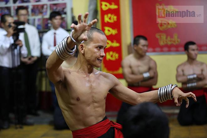 Cao thủ Nam Huỳnh Đạo luyện công, tiếp chiêu võ sư Vịnh Xuân như thế nào? - ảnh 11