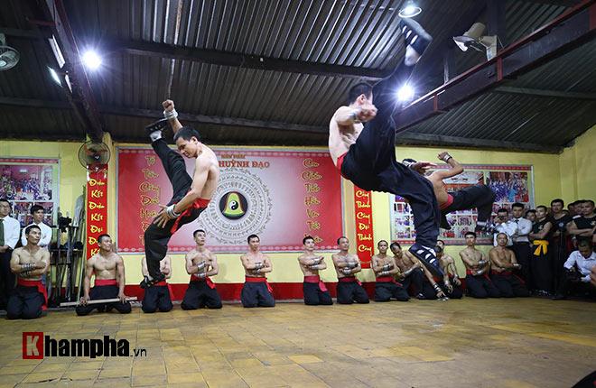 Cao thủ Nam Huỳnh Đạo luyện công, tiếp chiêu võ sư Vịnh Xuân như thế nào? - ảnh 10