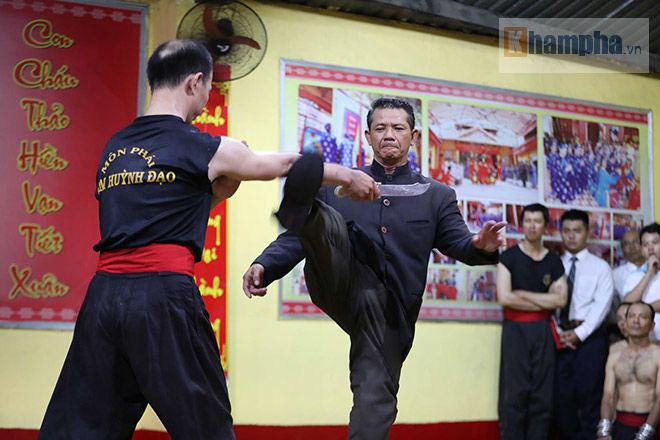 Cao thủ Nam Huỳnh Đạo luyện công, tiếp chiêu võ sư Vịnh Xuân như thế nào? - ảnh 8