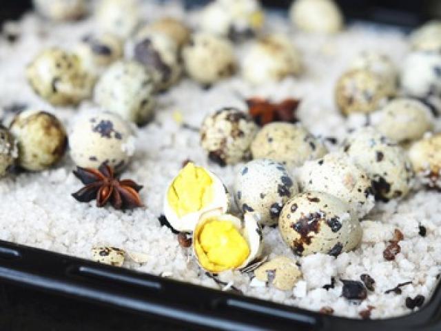Mẹo luộc trứng cút không cần nước, thơm ngon ngoài sức tưởng tượng