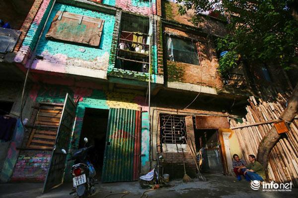 Nhà tiền tỷ bỏ hoang, chỗ ở lý tưởng của người lao động nghèo - ảnh 2