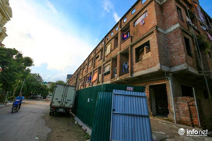 Nhà tiền tỷ bỏ hoang, chỗ ở lý tưởng của người lao động nghèo - ảnh 3