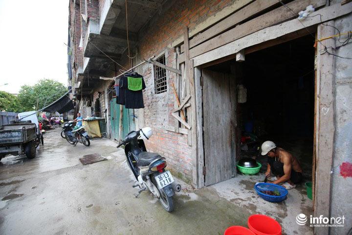 Nhà tiền tỷ bỏ hoang, chỗ ở lý tưởng của người lao động nghèo - ảnh 7