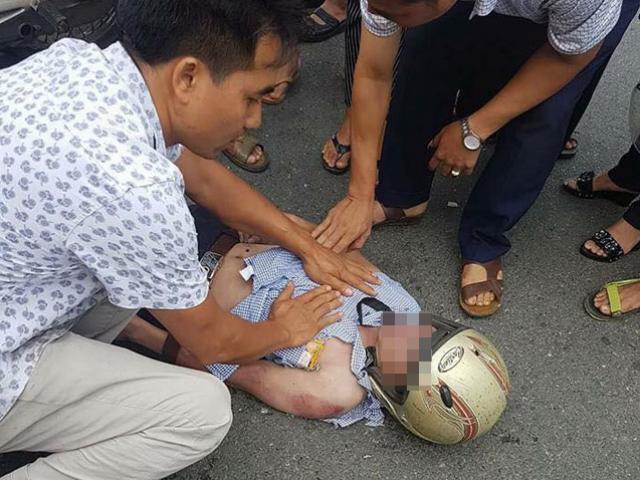 Tin mới vụ nam thanh niên đang đi xe máy bị sét đánh trúng đầu