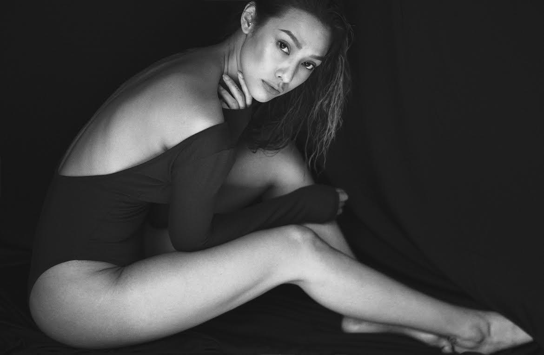 Mỹ nữ đùi đá tảng hút mắt với bikini khoét cao ngút - ảnh 1