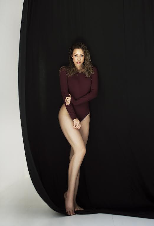 Mỹ nữ đùi đá tảng hút mắt với bikini khoét cao ngút - ảnh 5