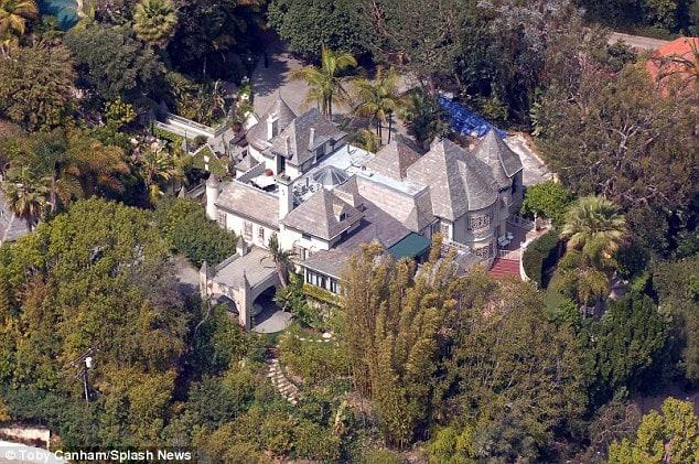 Kiếm 650 triệu đô, cướp biển Johnny Depp vẫn phải bán nhà vì nợ nần: Vì đâu nên nỗi? - ảnh 2