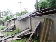 Một phụ nữ bị mái tôn đè chết khi bão số 2 đổ bộ