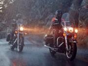 Thế giới xe - Những lưu ý khi lái môtô trong trời mưa, bão nguy hiểm