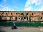 Tài chính - Bất động sản - Nhà tiền tỷ bỏ hoang, chỗ ở lý tưởng của người lao động nghèo