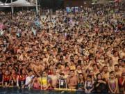 Thế giới - Nghìn người TQ chen kín mít bể bơi trong ngày nóng 50 độ