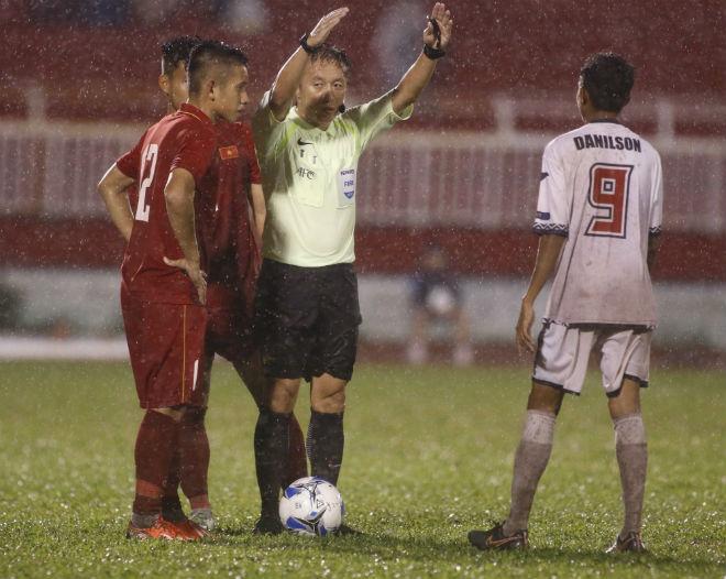 U23 Đông Timor quây trọng tài, tố bị U23 Việt Nam đánh nguội - 10
