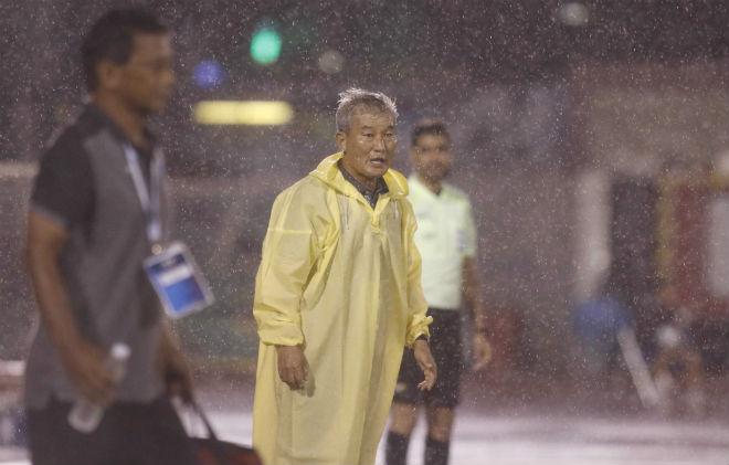 U23 Đông Timor quây trọng tài, tố bị U23 Việt Nam đánh nguội - 4