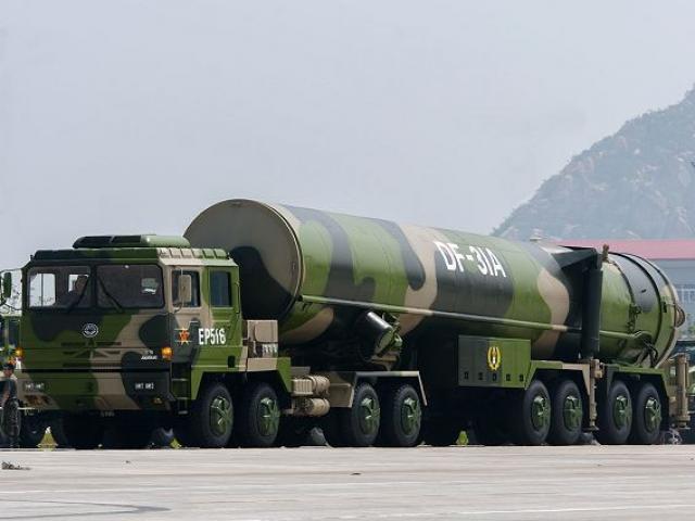 Lần đầu lộ diện siêu vũ khí mạnh nhất thế giới của TQ - 3