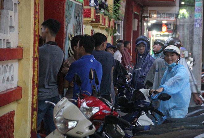 Cao thủ Nam Huỳnh Đạo múa võ dưới mưa, Flores tìm Huỳnh Tuấn Kiệt đầy bí ẩn - 7